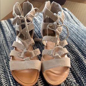 Dolce Vita flat sandals. Never worn Sz 8